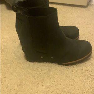Sorel Leah boots size 6.5